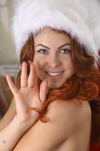 http://img177.imagevenue.com/loc19/th_531963819_silver_angels_Sandrinya_I_Christmas_1_153_123_19lo.jpg