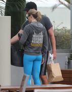 Emily Blunt - booty in tights going to a gym in Los Angeles 06/12/13