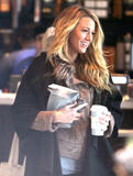 Блейк Лайвли, фото 4838. Blake Lively On the set of 'Gossip Girl' in Manhattan - March 5, 2012, foto 4838