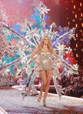 th_01463_Victoria_Secret_Celebrity_City_2007_FS528_123_36lo.JPG